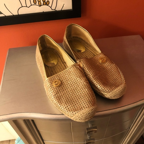 Michael Kors Shoes - Michael kors size 6.5 shoes. 🍀*